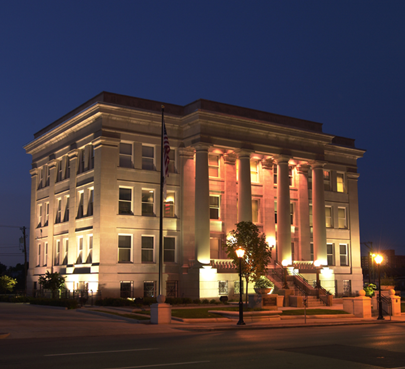 Evan Lloyd Architects provided government architectural services for the Renovation of the Waterways Building of the4th Distriction Appellate Court in Springfield, Illinois.