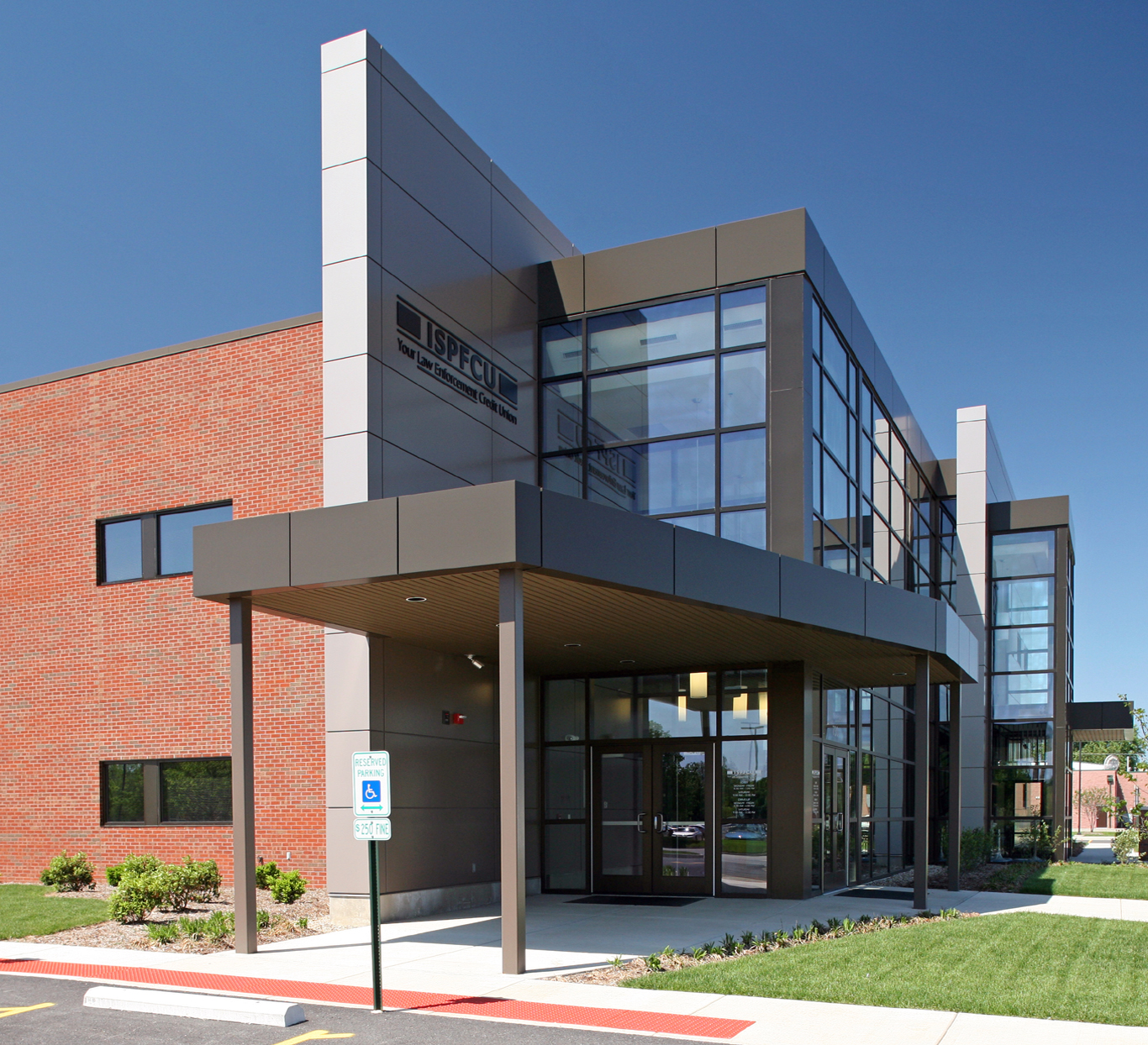 office building design architecture. Evan Lloyd Architects Provided Architectural Services For Illinois State Police Federal Credit Union (ISPFCU) Office Building Design Architecture R