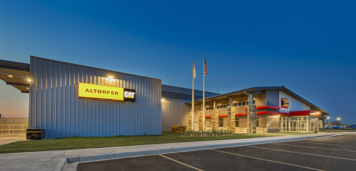 Evan Lloyd Architects provided industrial architectural services for Altorfer Caterpillar in Springfield, Illinois, with a new sales and repair facility.