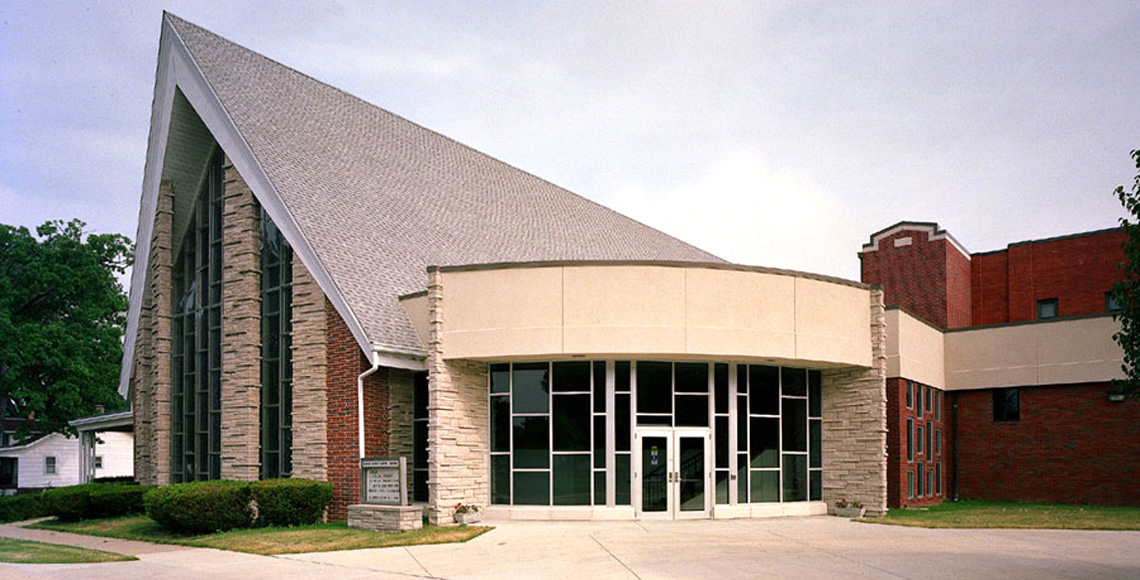 Evan Lloyd Architects provided religious architectural services for Elliott Avenue Baptist Church in Springfield, Illinois, with a facility expansion and renovation.