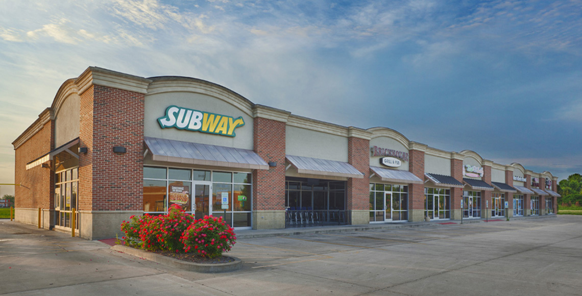 Evan Lloyd Architects provided retail architectural services for Iles Retail Center and Brickhouse Grill Pub in Springfield, Illinois.