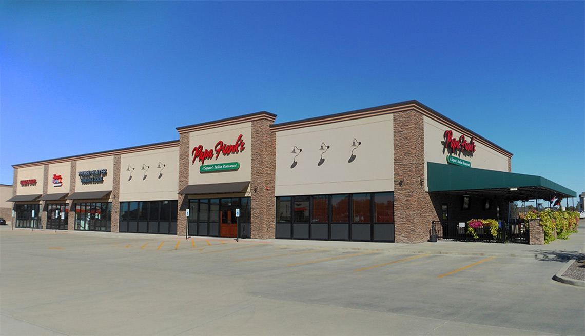 Evan Lloyd Architects provided retail architectural services for Meadowbrook Retail Center in Springfield, Illinois.
